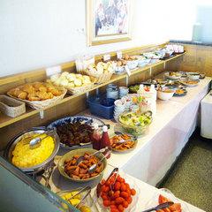 【 ビジネス必見 】人気のバイキング朝食付♪朝しっかり食べて元気に出発!高速インターネット無料接続♪