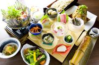 ☆夕食&バイキング朝食付☆地元食材を使ったお料理と豪快マグロ料理の2食付プラン!