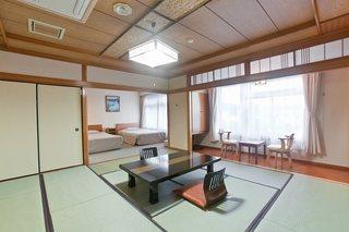 和洋室(ツインベッド+和室12.5畳)