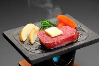 ■ 夕食/メイン料理を各自自由に選択+名物ほうとう鍋付プラン! 御夕食は安全安心に別部屋個室で
