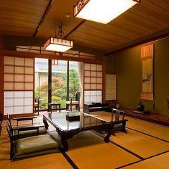 梅の間・庭園を眺める最も広い・源泉掛け流し露天風呂付客室