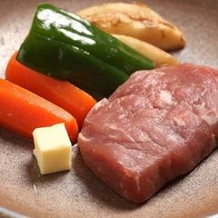 肉好きにはたまらない♪牛ステーキ&ポークステーキでお腹満足プラン!(^^)!