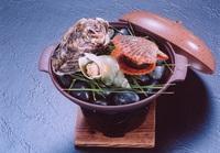 【伊勢海老を含むお刺身盛り】当館名物太鼓橋一人盛り&貝の陶板焼きが人気♪『志摩睡蓮の膳』