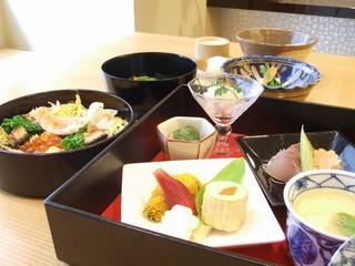 【JR福井駅より徒歩2分】●選べるダイニング●1泊2食付宿泊プラン
