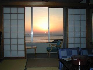 現金特価 海を眺める和室