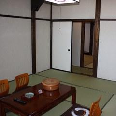 和室10畳+6畳の2間部屋(バス・トイレ付
