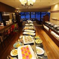【夕・朝食付プラン】宍道湖一望のレストランで絶景とともに楽しむ季節のディナービュッフェ♪