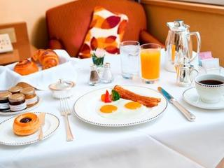 【ルームサービスで朝食を】ラグジュアリーMORNING〜極上の朝食×ゆったり12時アウト〜