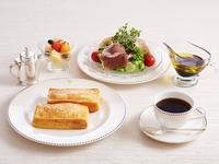 【ルームサービスで朝食を】伝統のフレンチトーストを堪能  〜口の中でとろけるこだわりの一品〜