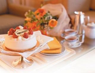 【記念日】アニバーサリーステイ 〜華やかに想いを伝える・花束と選べる特典付〜(朝食付)