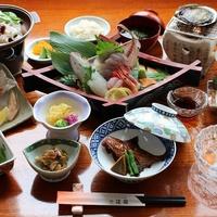 【グレードアッププラン】スタンダード料理+【 あわびの踊り焼き 】付!佐渡の旬を食べる贅沢プラン