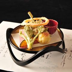 ■紫陽花会席(蟹+牛)■日本海の幸盛合わせ・鰈柚餡焼・紅ずわい蟹・新潟牛ステーキ(夕朝食付直前割引)