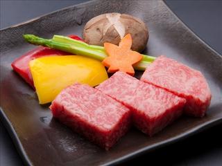 【さき楽28】早期予約でポイントがお得♪飛騨牛ステーキ&飛騨牛炙り握り全15品☆『特選旬菜』