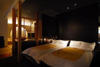 ■和モダン×ベッドの和洋室(2間続き)
