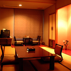 箱根神社参拝【通常客室】ご夕食はお部屋で「季節の会席料理」
