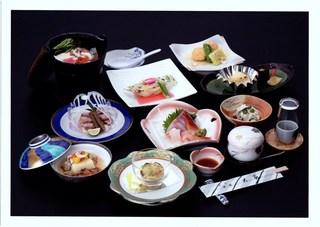 【日本海の幸満喫ファミリープラン】新潟県内水揚げ量№1・2を誇る鯛料理に旬の味覚料理☆