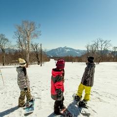 【スキー×お花見】雪も桜もどっちも楽しむのがデコスタイル!【リフト1日券付】1泊2食付