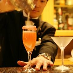 【カップル・女子会】憧れのホテルバーへようこそ♪目にも美しい【オリジナルカクテル付】☆二食付