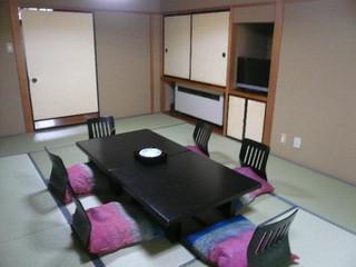 和室12畳バス・トイレ付(海側)