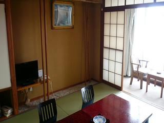 和室8畳バス・トイレ付(海側)