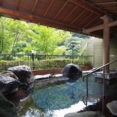【ファミリー】家族みんなで温泉にプールに楽しんじゃおう♪