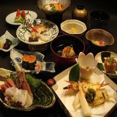 ◆旬の味覚を上品に味わう懐石料理10品満腹ぷらん◆【露天風呂付客室】