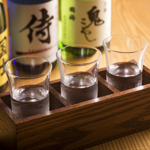 【日本酒利き酒セット飲み比べ】厳選!会席料理と楽しむ〜