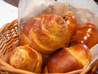◇信州観光の拠点に最適◇ 焼きたてあつあつ!手作りパンの朝食付プラン