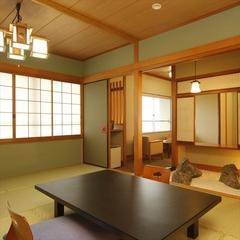 【広目の客室】ご家族皆様でもゆったりの広〜いお部屋。坪庭付特別室をお値打ちに。お子様とご一緒にも◎