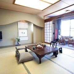天然温泉付和室(本間10畳タイプバス・トイレ付)