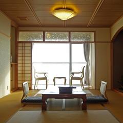 【最上階 潮騒和室10畳】通常の和室よりちょっと豪華な造り