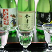 【地酒を飲み比べ】お好みのお酒が見つかるはず♪お酒好きにはたまらない♪3種飲み比べ!タラバ蟹付