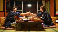 2人っきりの時間を大切に・・・嬉しいお部屋食♪【大海老のお造り付】