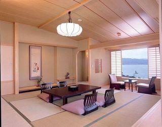 秀芦閣◆諏訪湖を望むレイクビュー客室◆