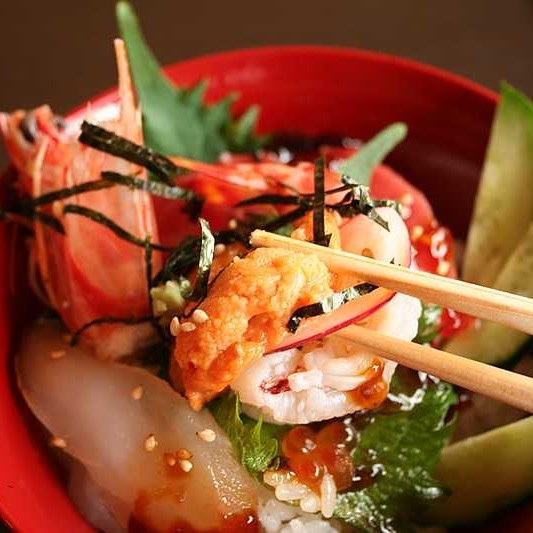 【縁☆海鮮&和牛】特製醤油ダレで頂く!「彩り創作海鮮丼&しまね和牛しゃぶしゃぶ」 【一般客室】