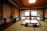 吾妻連峰を望む・和室8畳(バストイレなし)
