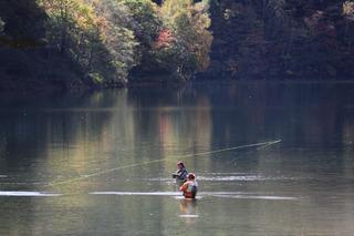 釣り場は目の前!!【丸沼1日分入漁料込み】釣りと温泉満喫宿泊プラン☆☆