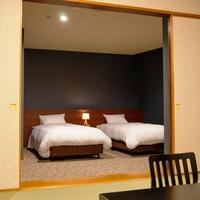 【禁煙】ファミリー館 和洋室《和室10畳+ベッド》