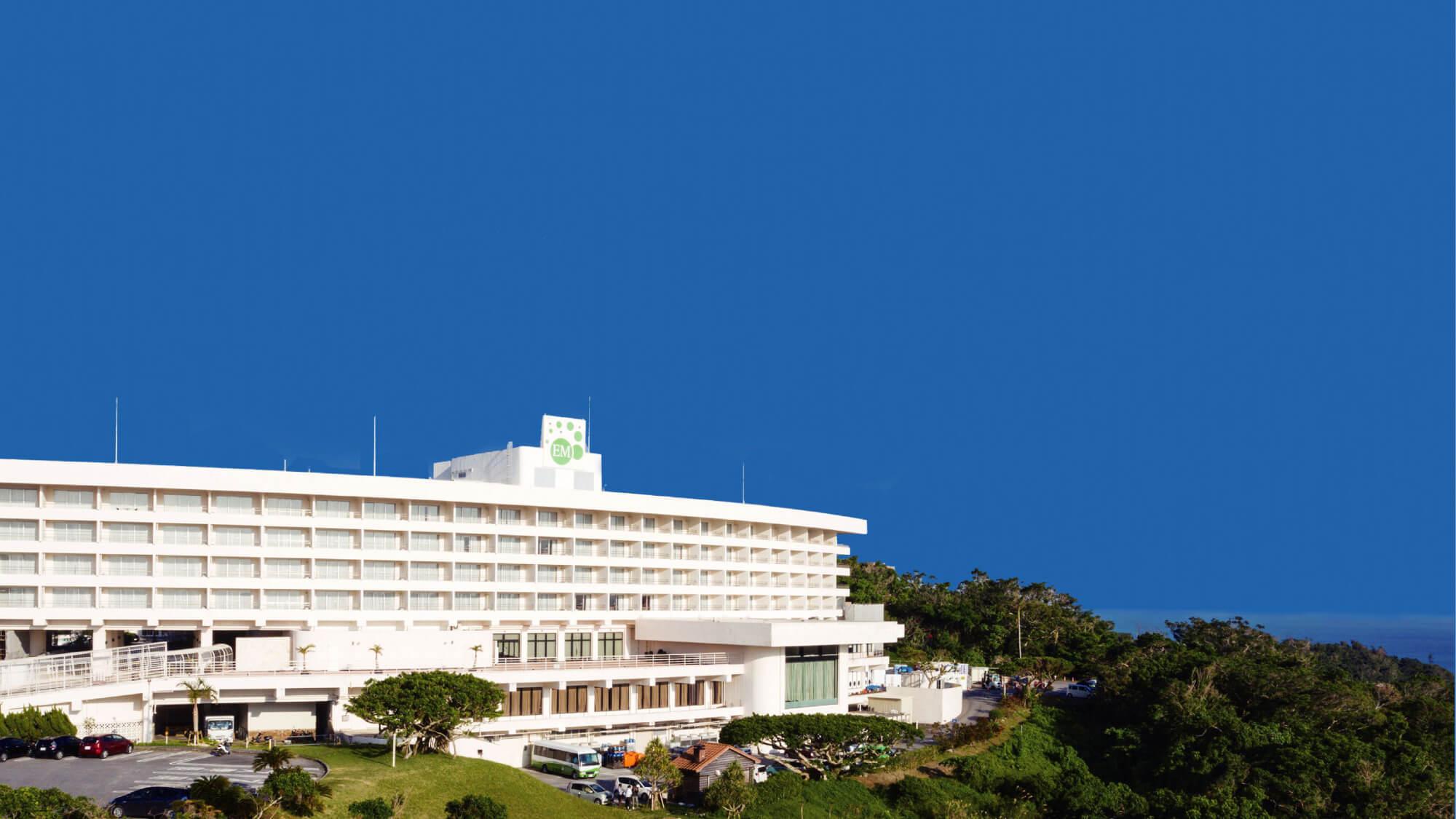 【沖縄セレクション】「ココロとカラダを整えるホテル滞在」ウェルカムウォーター付き<素泊り>
