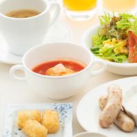 【一泊朝食】パン&サラダ食べ放題♪朝ごはん食べてエネルギーチャージ☆元気にいってらっしゃい♪
