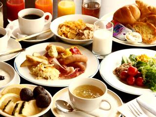 【BBHグループ100店舗達成記念♪】【夏得】前泊&後泊に最適♪和洋50種類朝食バイキング付プラン