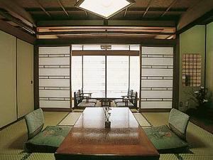 【3階・グレードUP】 和室8畳+広縁