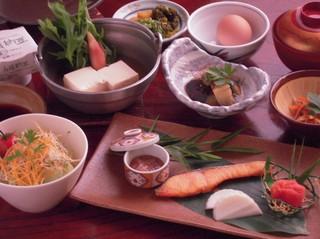ウマ━(●゜∀゜●)━海鮮KAISEN★季節の鍋・刺身・真鯛あらだき・大海老料理など♪≪現金特価≫