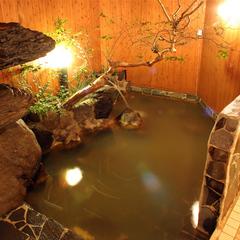 【1日3組限定】露天風呂付き客室をシングル利用!「豪華バイキングを味わう」二食付きプラン