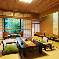 【川沿い一般客室】<12畳+6畳>鶴仙渓を眼下に眺める