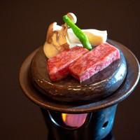 【おすすめ逸品:A5ランク福島牛の石焼ステーキ】バイキングメニューをちょっと贅沢に!!