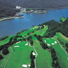 【ゴルフパック】《久美浜カンツリークラブ1ラウンドセルフプレー昼食付き&碧翠御苑1泊2食付き》