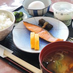 【ゴルフ宿泊プラン 前泊】1泊1Rセルフプレー+2食付(朝・昼食)