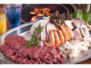 さき楽55【夕食・朝食】お肉食べ放題!ドリンク飲み放題!みんなでわいわい♪プールサイドバーベキュー