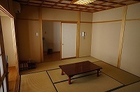 西側の見晴らしの良い標準的な和室(全室禁煙)